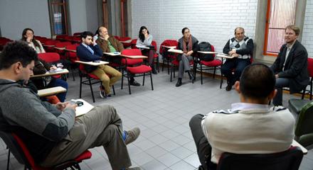 Benjamin Cokelet visitó la UNCUYO y expuso sobre organización colectiva y bien común
