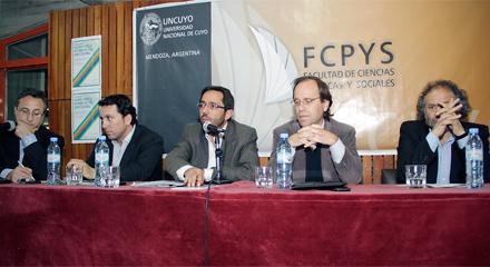 Referentes políticos debatieron en la UNCuyo sobre la Reforma de la Constitución